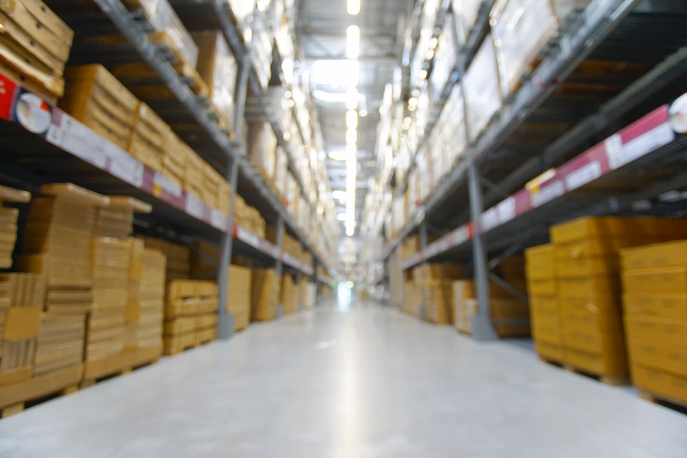Is it easy to findout Warehouse in Dubai ?